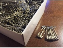 Safety pin (1000 pc), length: 25mm, color: nickel, 1 box: 1000db, unitprice: 2940,0 Ft/box*