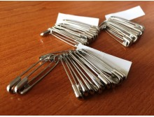 Safety pin, steel (200 pc), length: 28mm, color: nickel, 1 box: 200pc, unitprice: 1750,0 Ft/box*